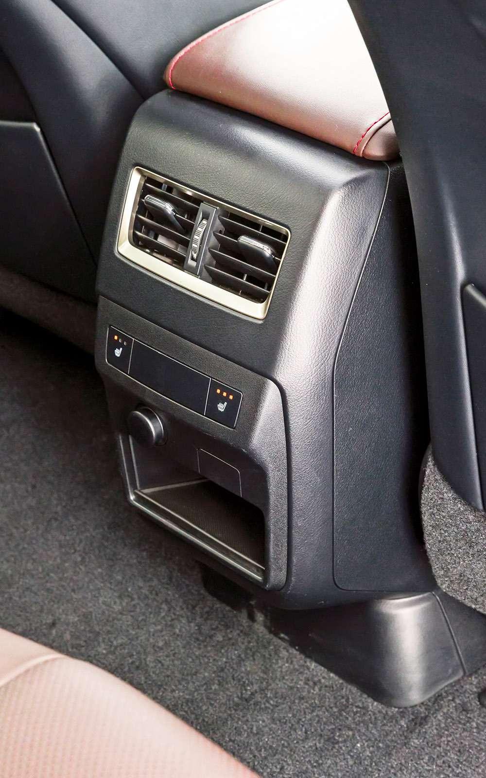 Тест премиум-кроссоверов: Lexus RX350, Cadillac XT5и Jaguar F-Pace— фото 721788