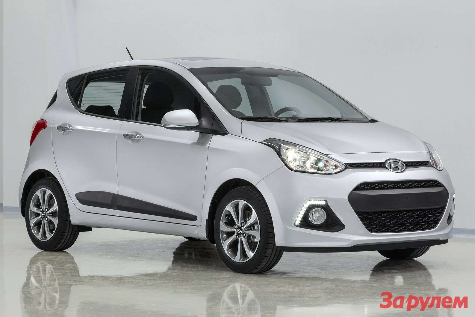 Hyundai i10 2014 1600x1200 wallpaper 01