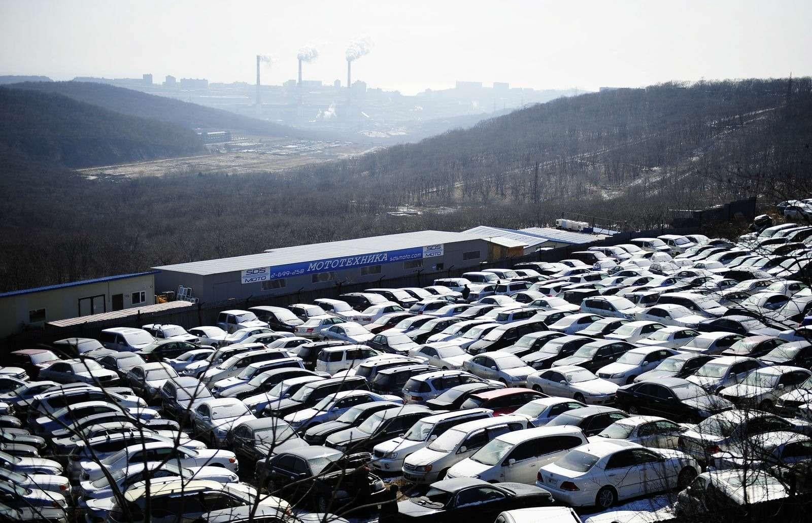 Перепродажи подержанных автомобилей снизились вслед зарынком новых машин— фото 371201