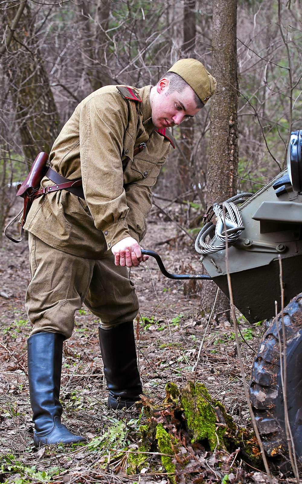 Отмечаем День Победы сбронеавтомобилем-ветераном БА‑64Б— фото 745608
