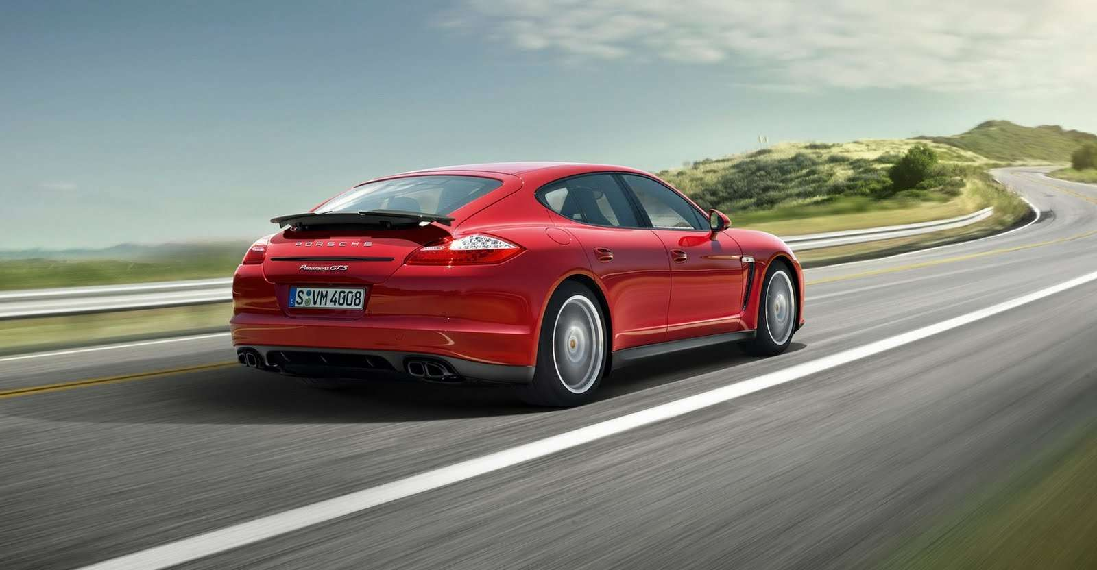 Porsche-Panamera-GTS-Carscoop9