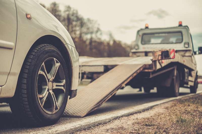Гдеэвакуация автомобиля обойдется дешевле? Исследование