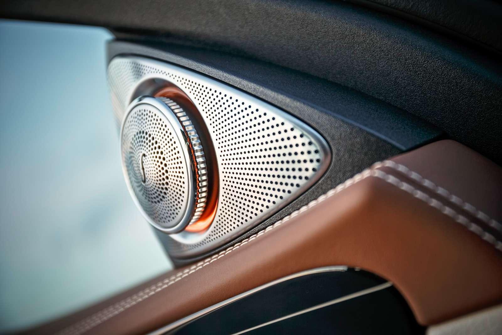 Новый  Mercedes-Benz E-класса: сравниваем версии— фото 570033