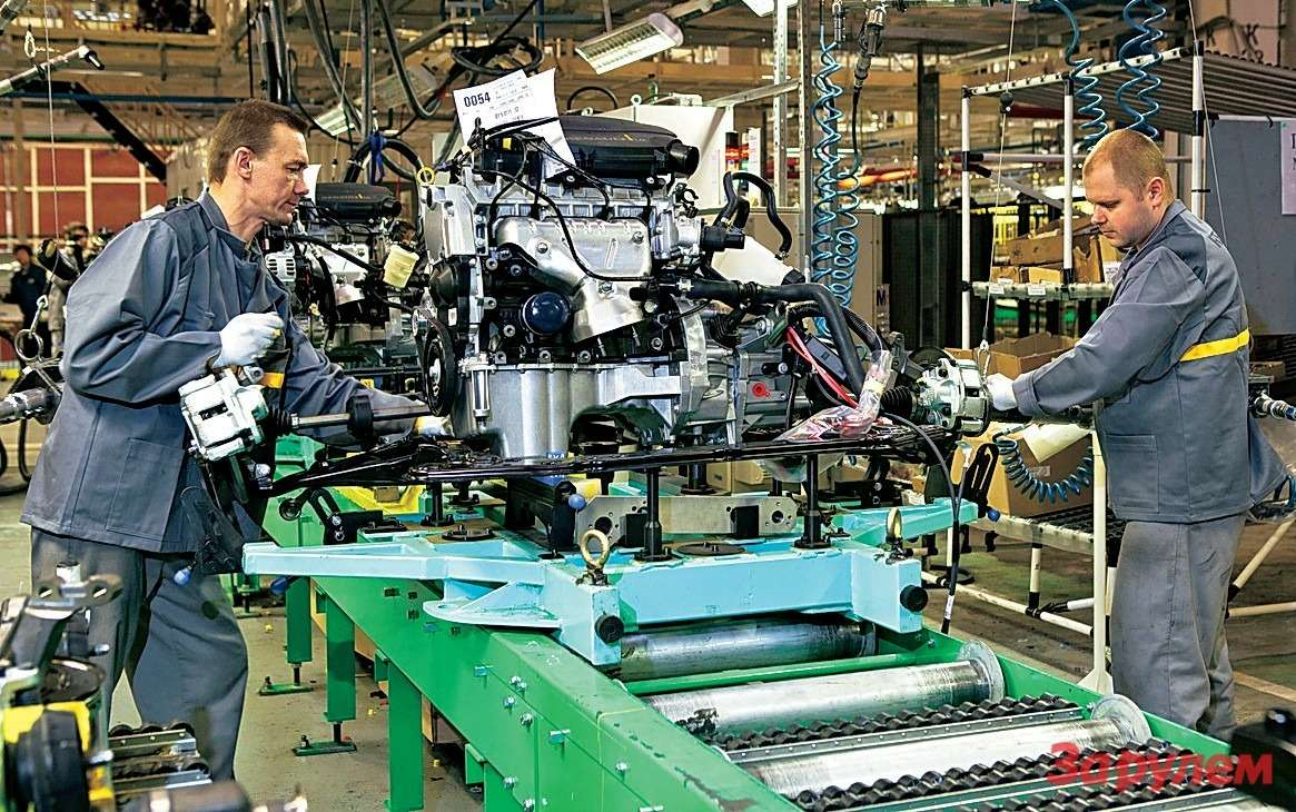 Сегодня двигатели вМоскву пока приходят изРумынии. Скоро ихбудет поставлять новый тольяттинский завод.