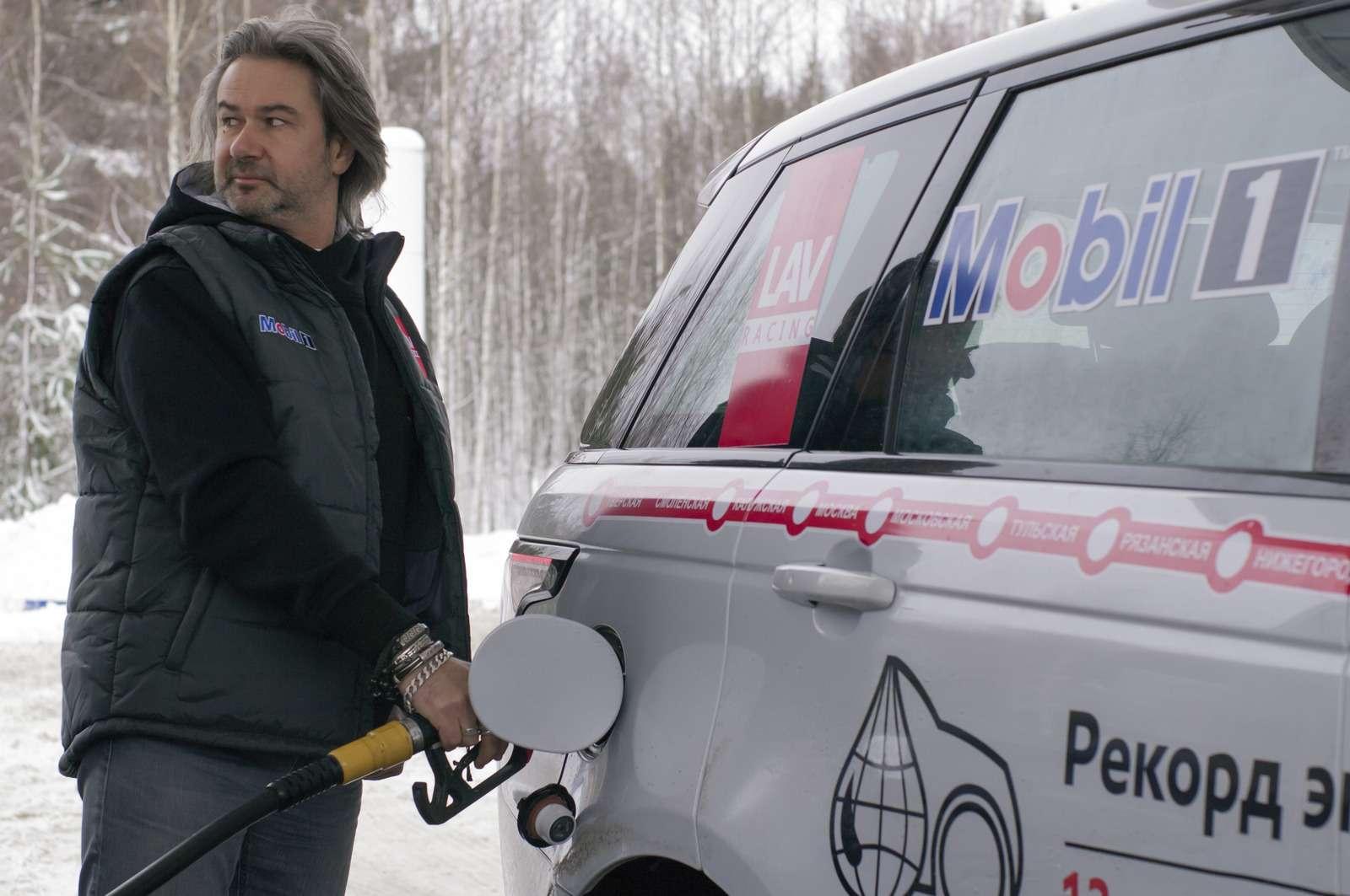 В России установлен рекорд экономичности намощном внедорожнике— фото 853967