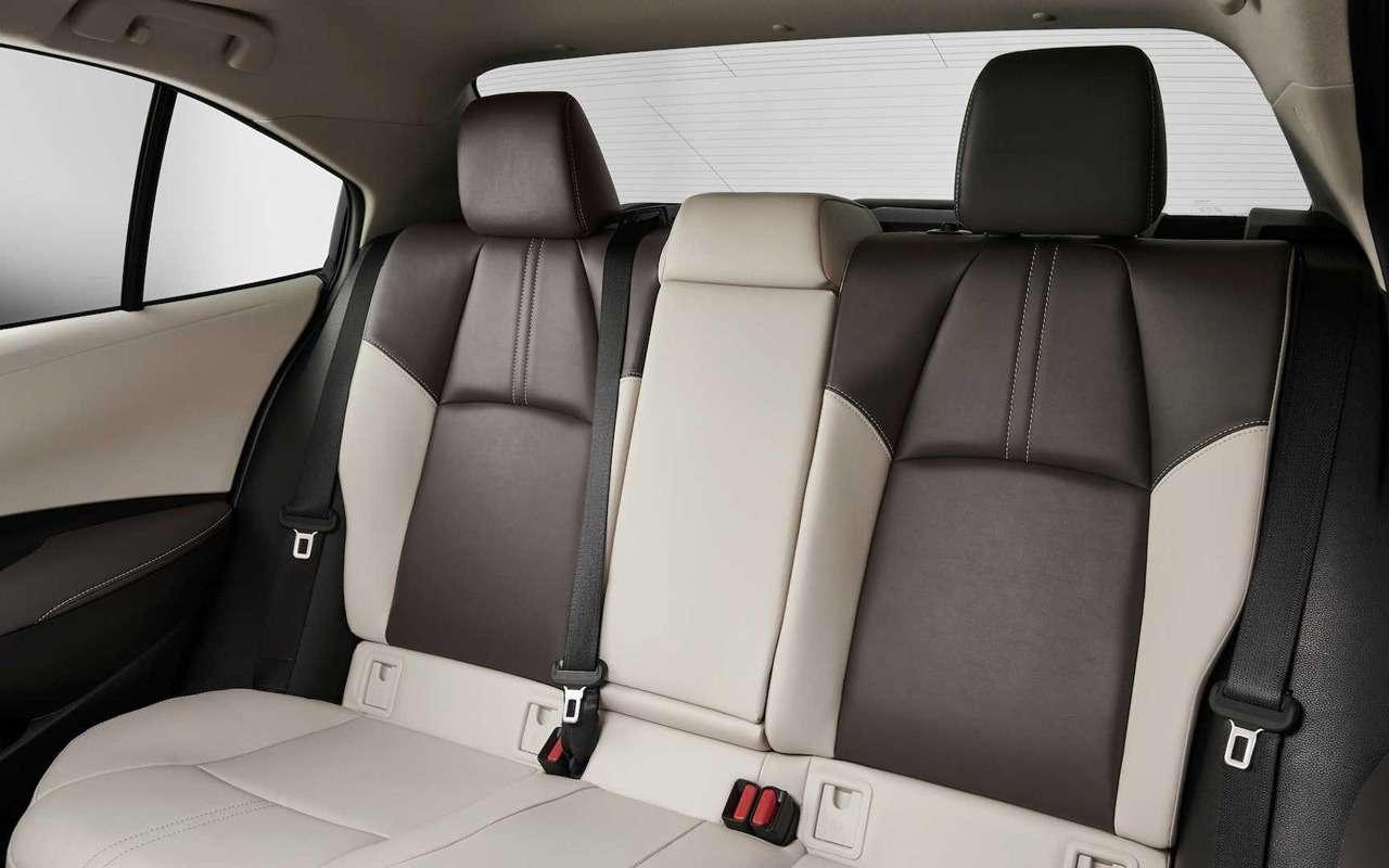 Toyota показала новую Короллу— фото 923256