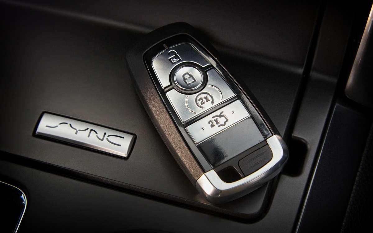 Названы российские цены наобновленный Ford Explorer— фото 857366