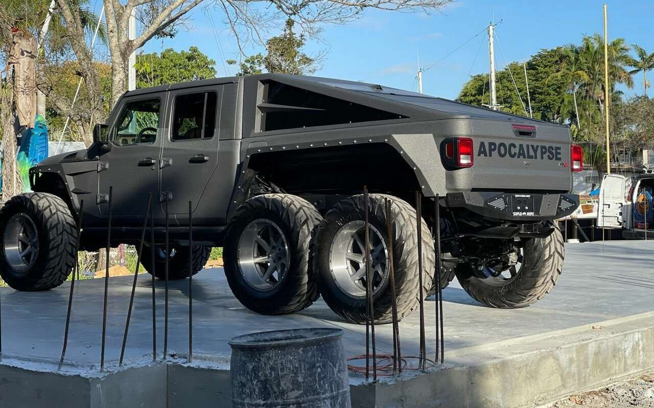 Шестиколесный Jeep Апокалипсис продают за$200 тысяч— фото 1233369