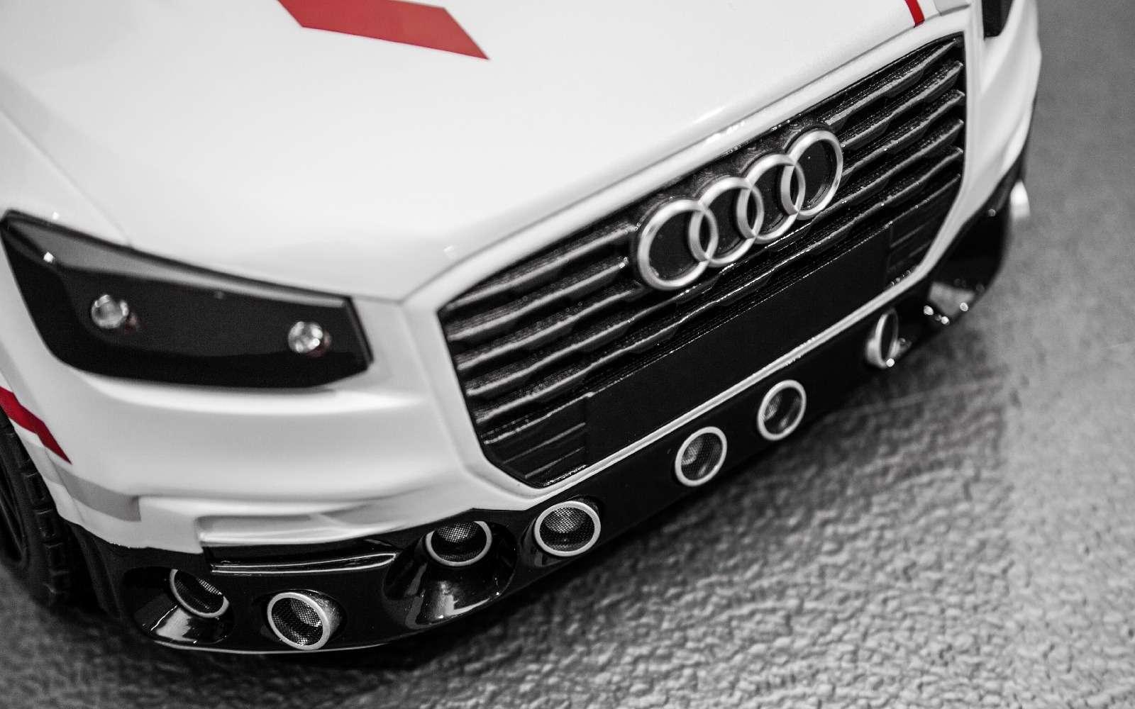 Игры искусственного разума: Audi воспитывает вманеже маленького робота— фото 674039