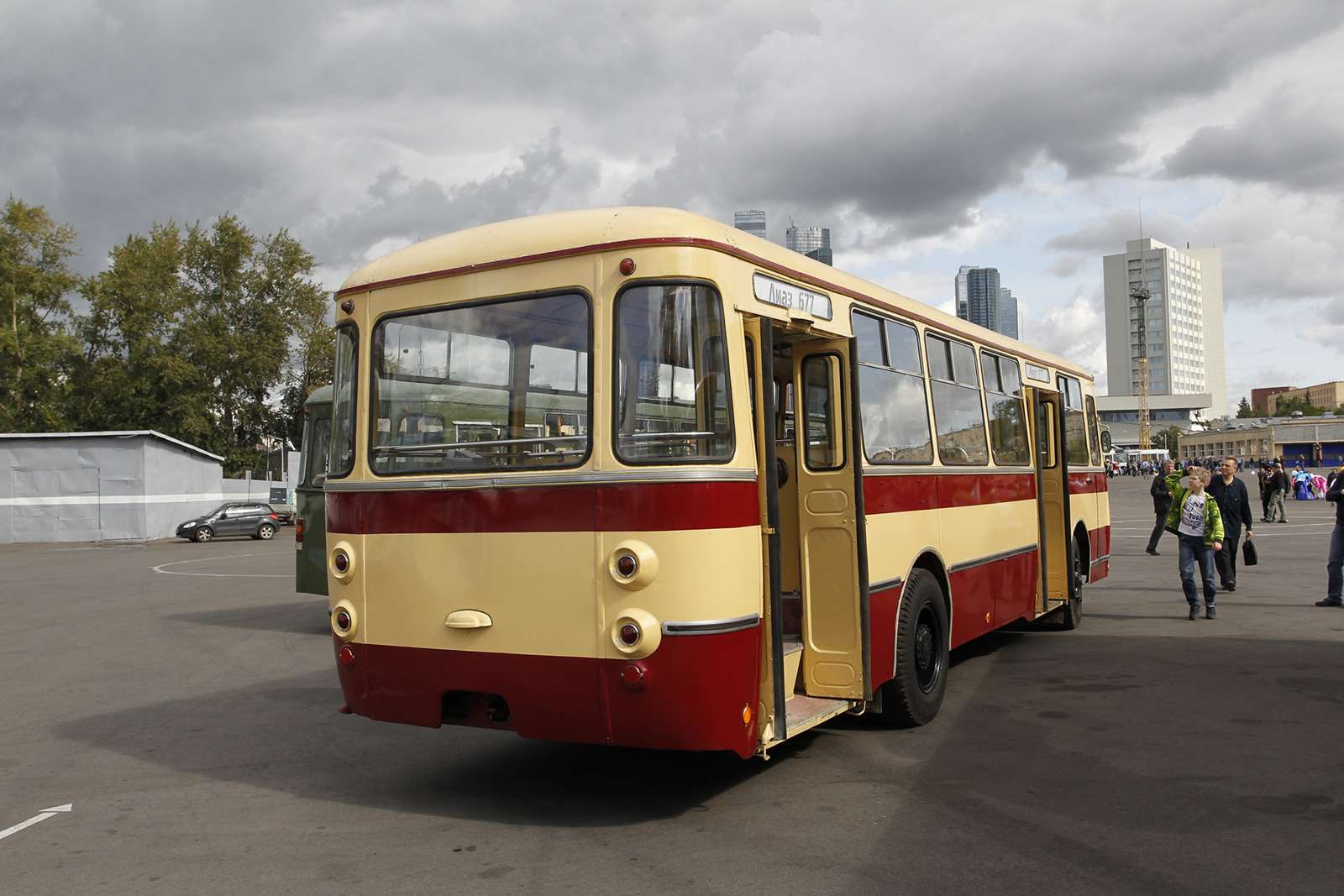 Автобусы нашего детства— выставка пассажирского транспорта— фото 792676