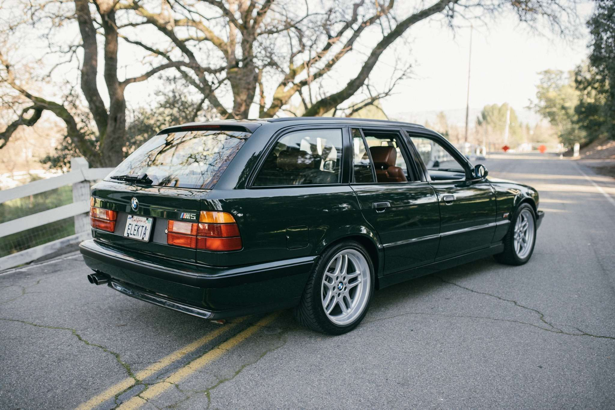 Elekta, тыпрекрасна: редчайшая «пятерка» BMW E34по цене новой M3— фото 732281