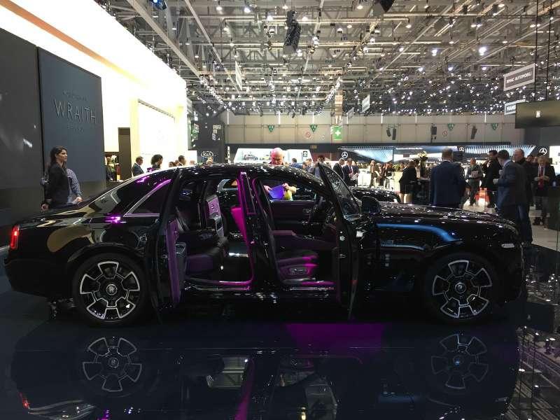 Rolls-Royce темная лошадка