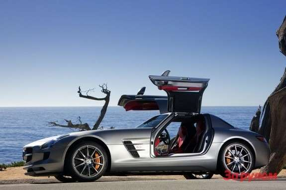 Mercedes-Benz SLS AMG side-view