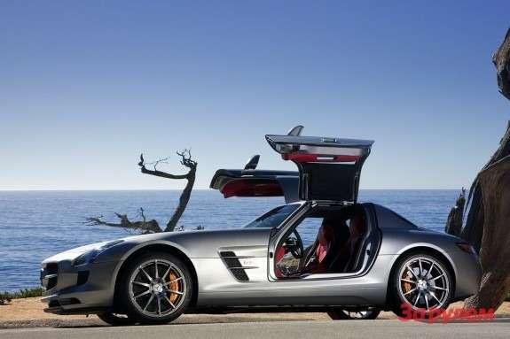 Mercedes-Benz SLS AMG side-view
