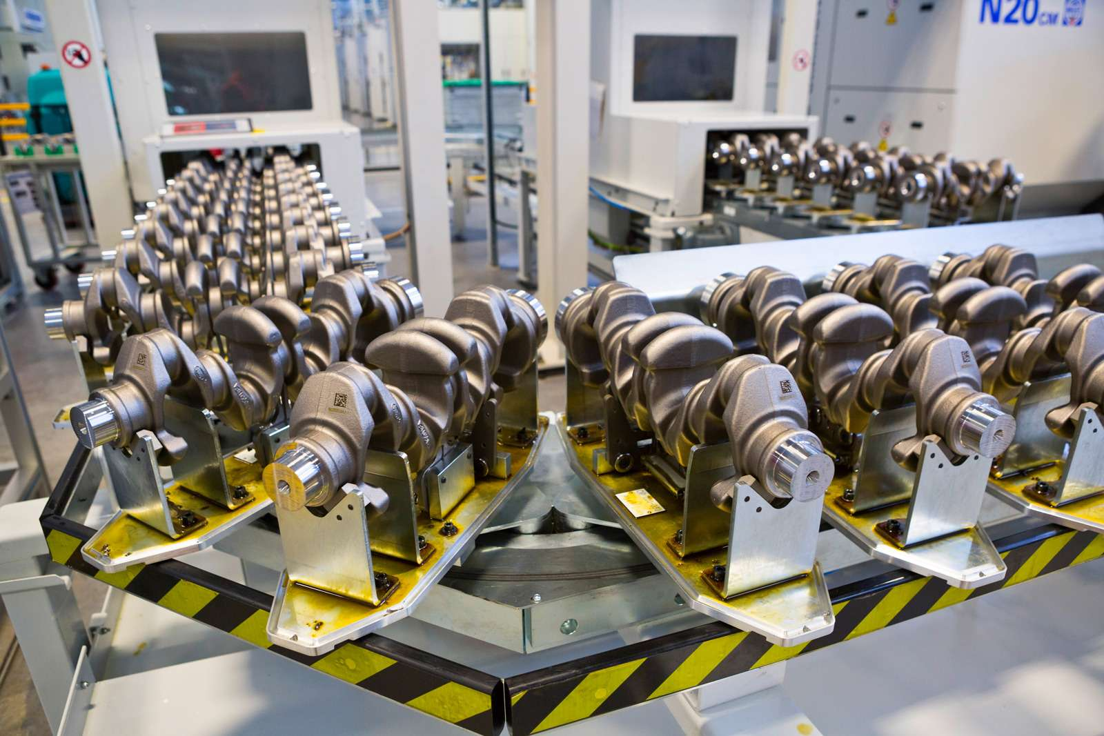 Завод двигателей Jaguar Land Rover: сто гениев вчас— фото 589032