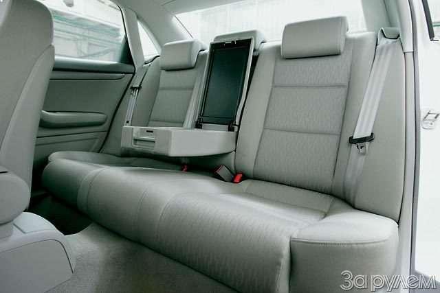 Тест Audi A42.0, Volvo S402.4, BMW 320i, Mercedes-Benz C230 Kompressor. Noblesse oblige— фото 56482