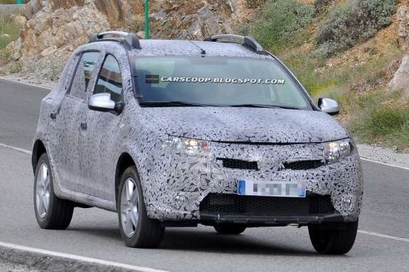 201207231022_new_dacia_sandero_stepway_side_front_view