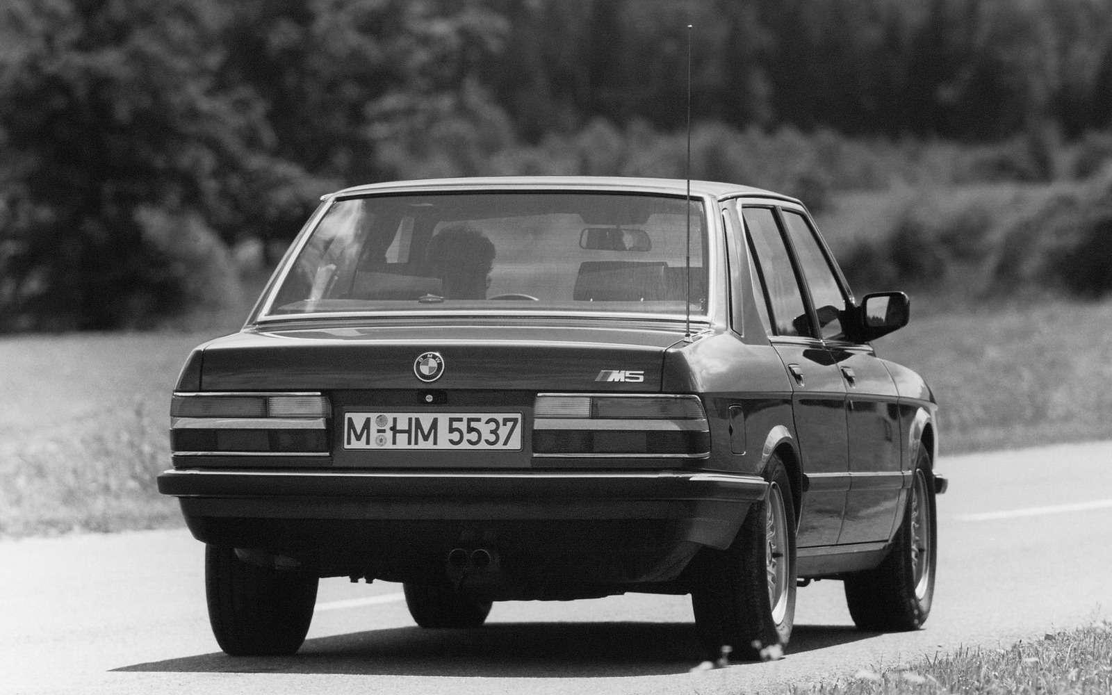 BMWM5не прощается, ноговорит досвидания— фото 611093