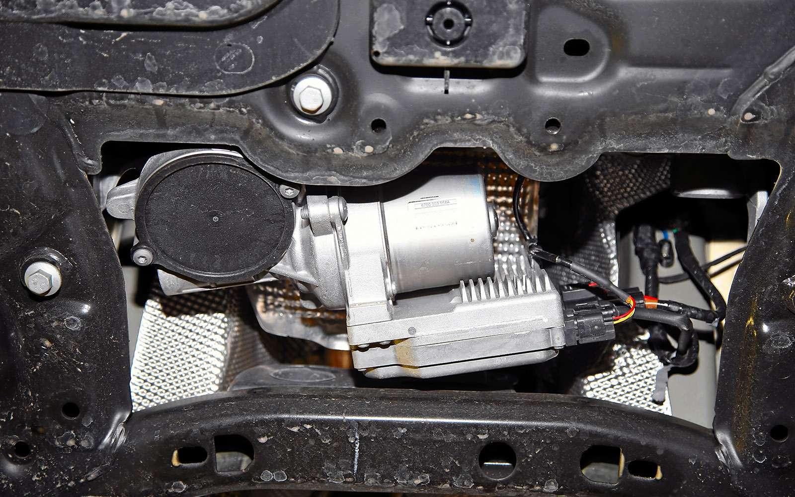VWGolf GTI против Infiniti Q30—  кто любит погорячее— фото 710219