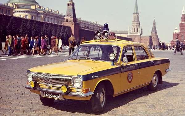 Все такси СССР: лимузины, кабриолеты, иномарки