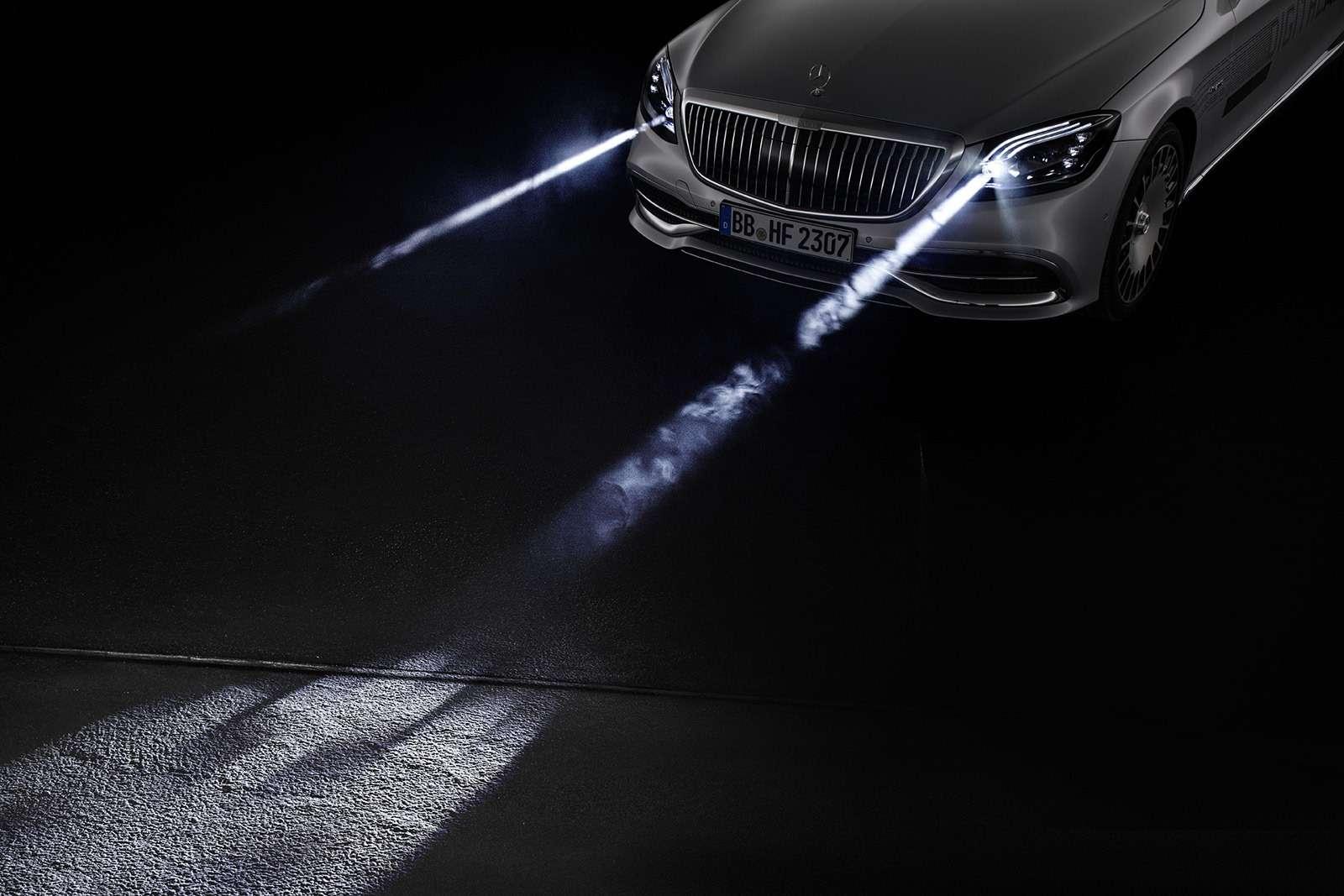 «Я рисую на асфальте»: Mercedes-Maybach представил уникальные фары - фото 851500