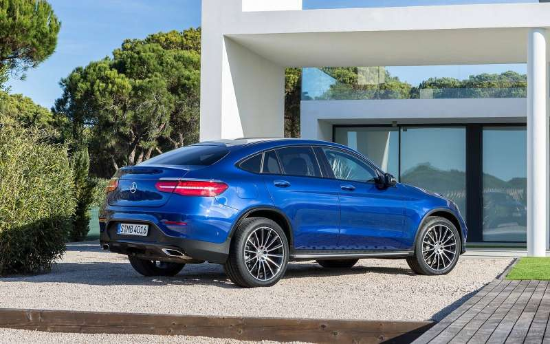 Объявлены рублевые цены наMercedes-Benz GLC Coupe икабриолет C-класса