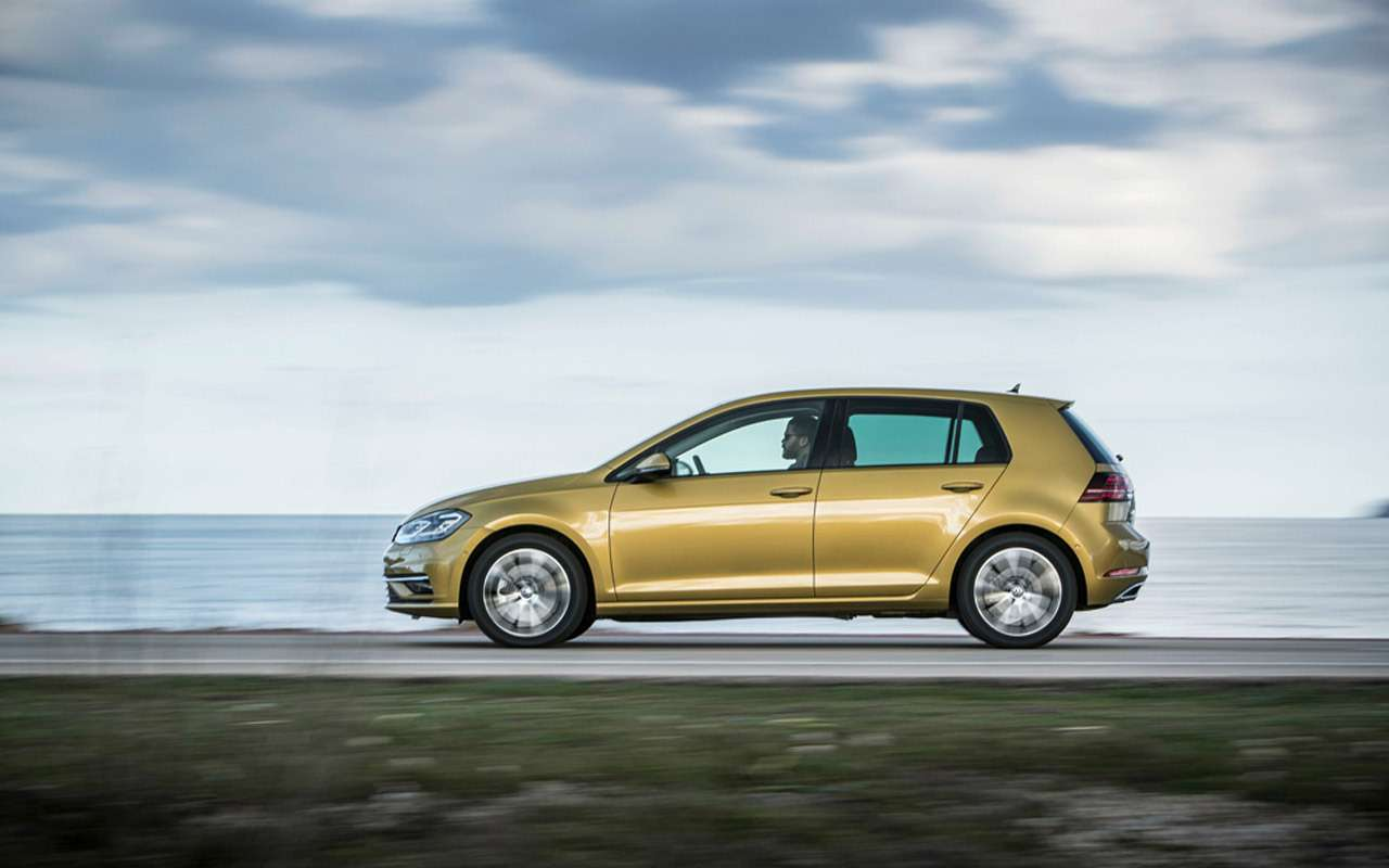Volkswagen Golf вернулся вРоссию: известны цены икомплектации— фото 904987