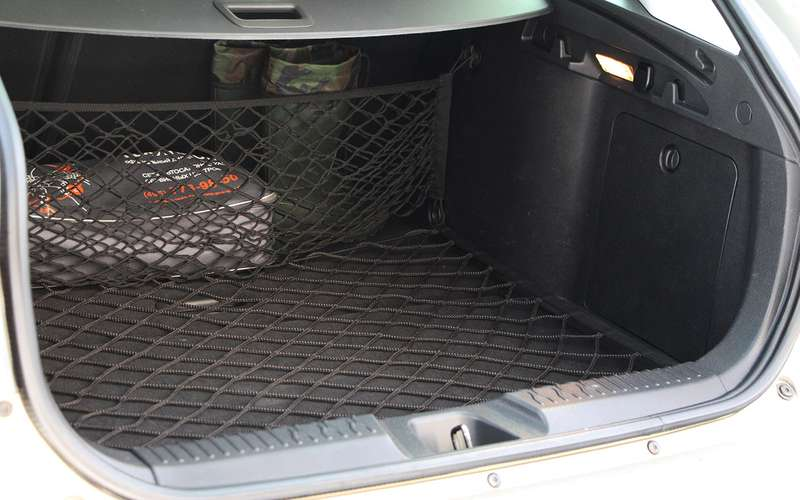 Lada Vesta SWизпарка ЗР: «сарай» судобствами
