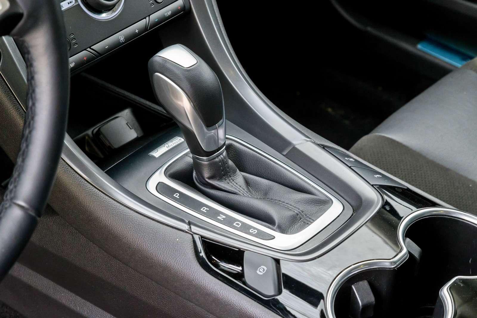 203-Passat_Mondeo_Mazda-6-zr09-15