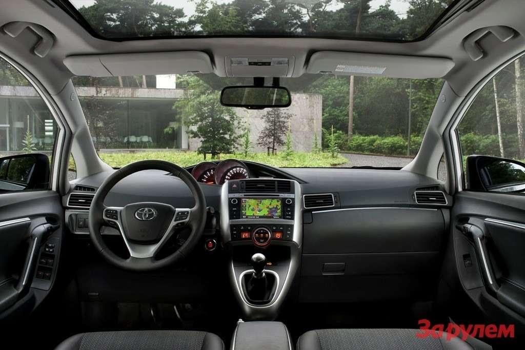New_Toyota_Verso_10_2012