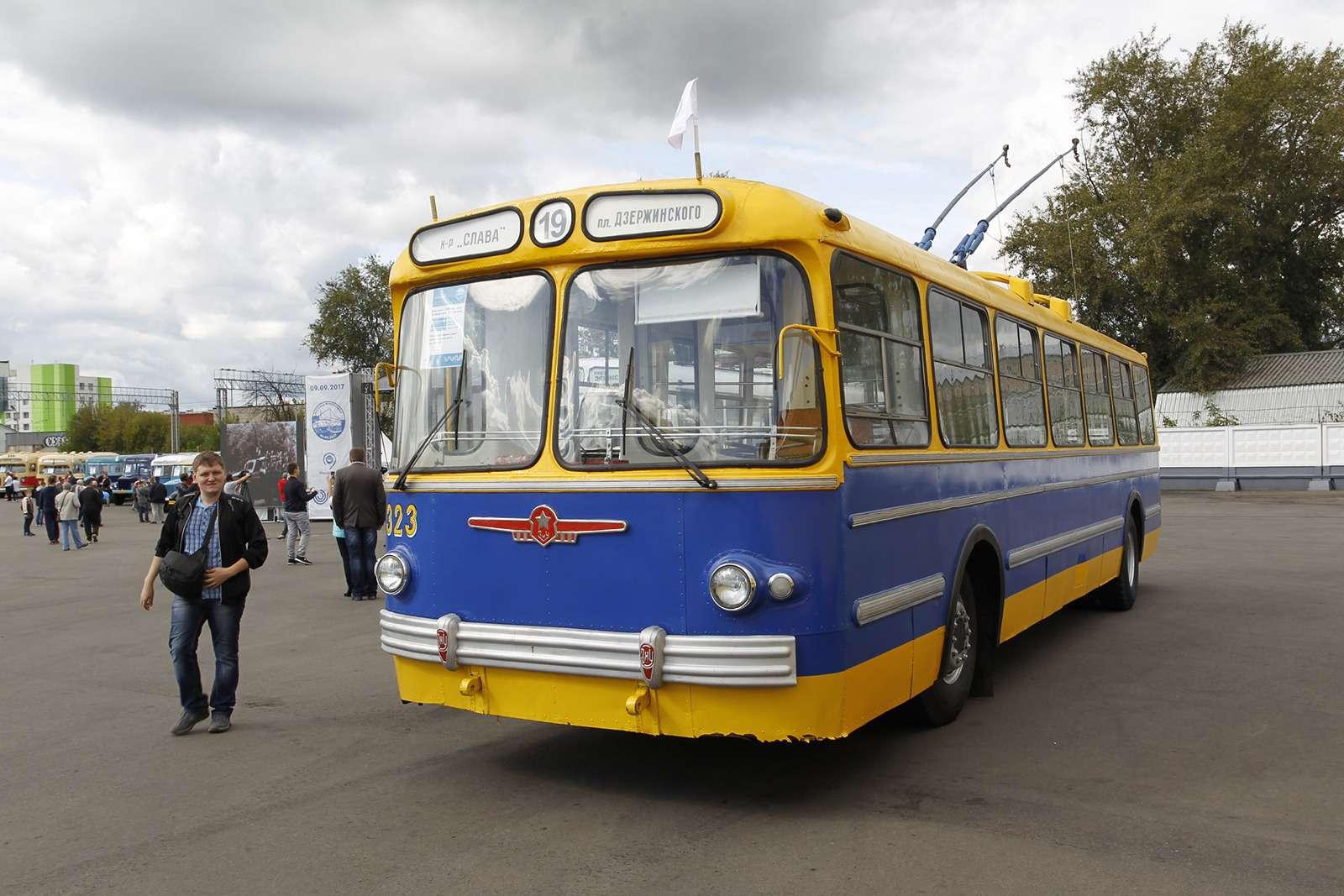 Автобусы нашего детства— выставка пассажирского транспорта— фото 792644