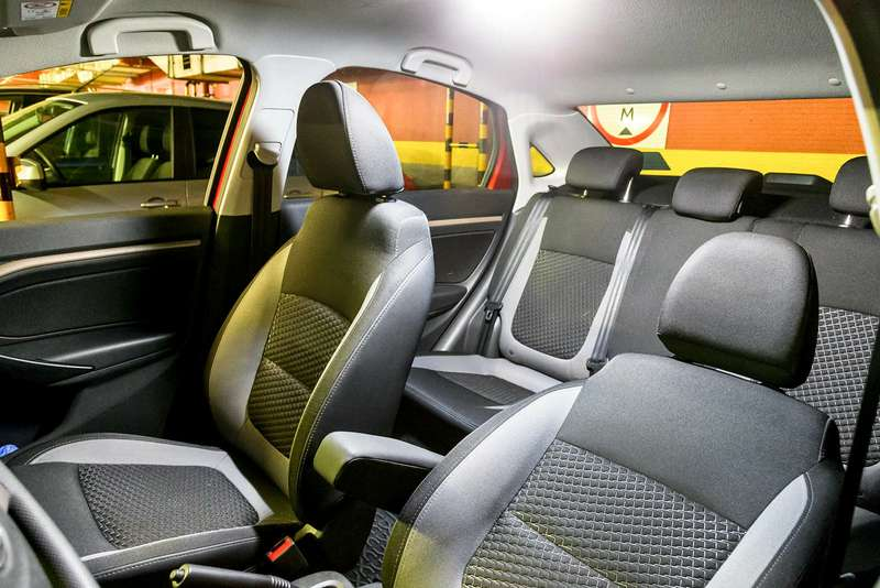 Lada Vesta изпарка ЗР: дабудет свет!