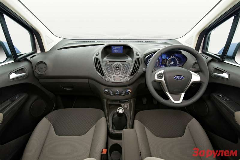 673104All new Ford Transit Courier Interior