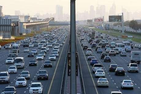В Дубае дляборьбы спробками автомобили предложили оставить богатым