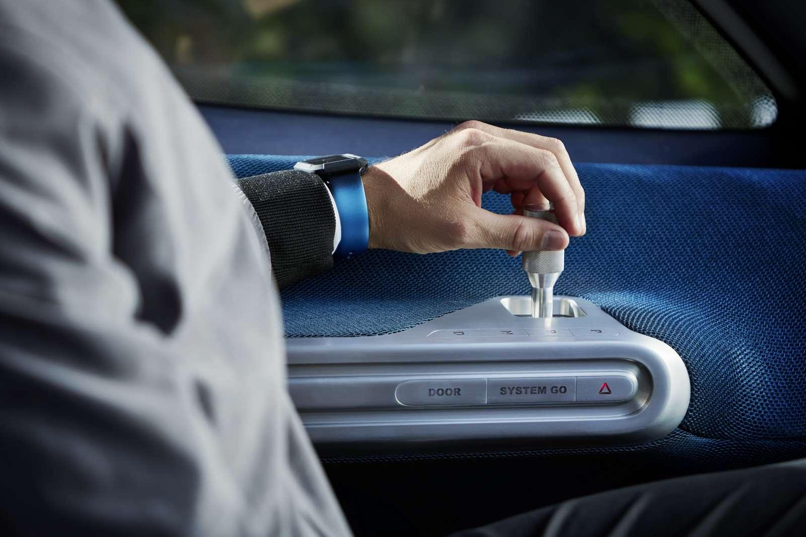 Mercedes-Benz лишит водителей руля, нонеработы— фото 631844