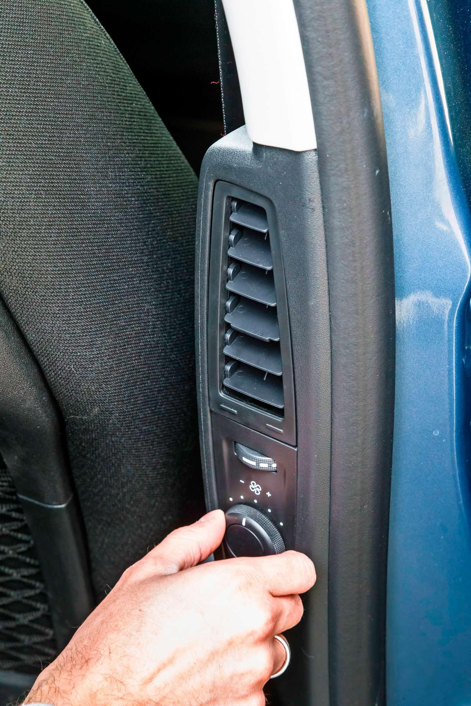 Изящество или практичность? Citroen Grand C4Picasso против VWCaddy Maxi— фото 599140