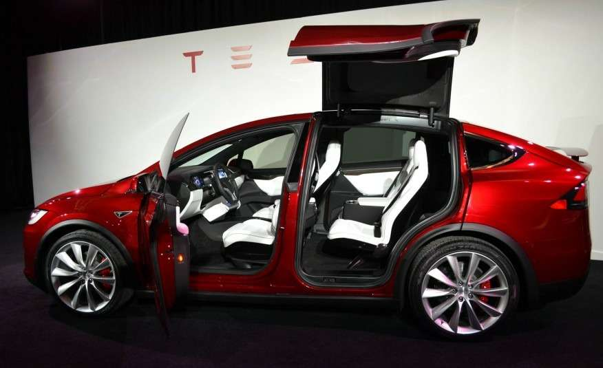 2016-Tesla-Model-X-106-876x535