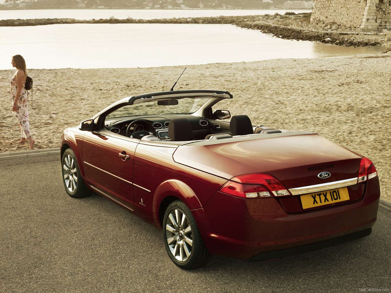 Ford-Focus_Coupe-Cabriolet_2008_1600x1200_wallpaper_05