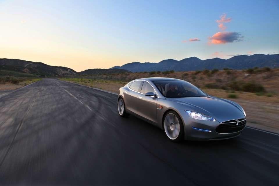 Tesla Model Slifestyle7
