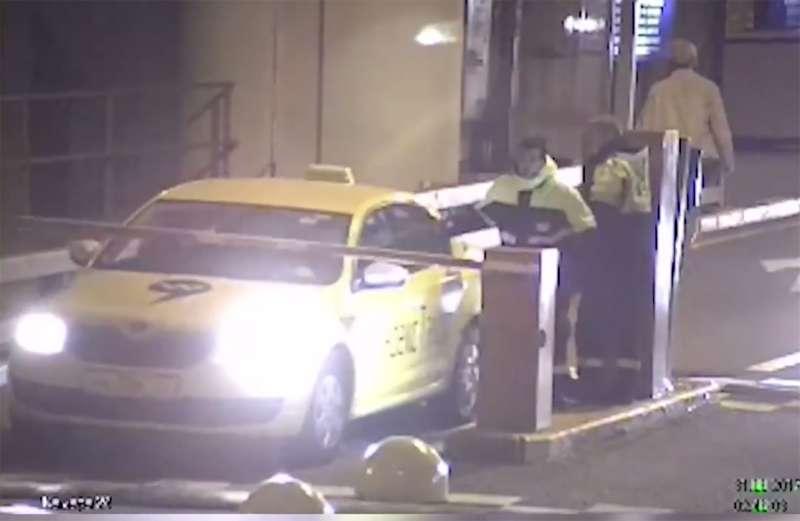 Милиция  изучает ролик стаксистом, сбившим гаишника уаэропорта «Внуково»