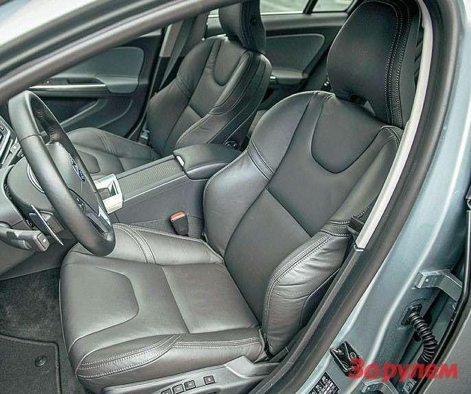 Спортивные сиденья, которыми поумолчанию комплектуется версия «R-Дизайн», теперь можно заказать налюбой «Вольво-S60».