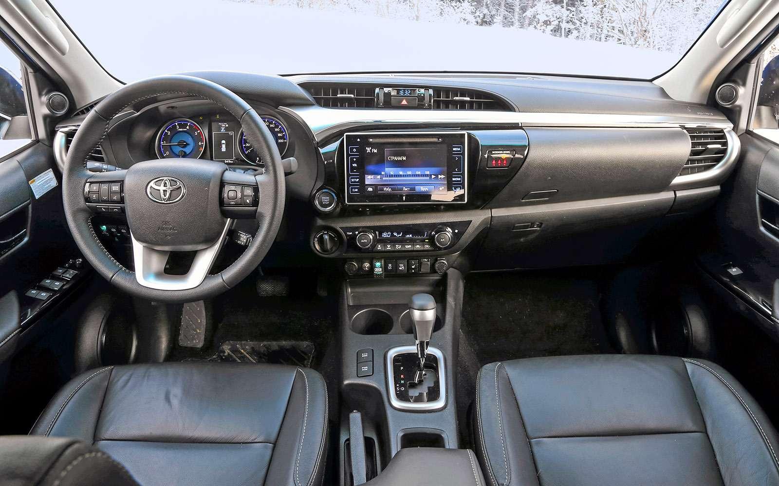 Пикапы Toyota Hilux Arctic Trucks: 4х4или 6х6?— фото 745679