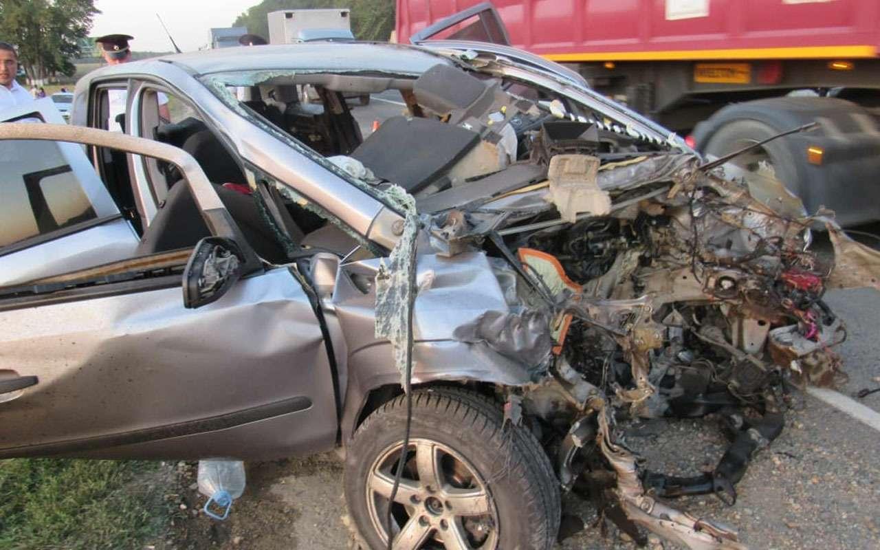 Семья попала вДТП: четверо погибли наместе, один умер вбольнице— фото 991814