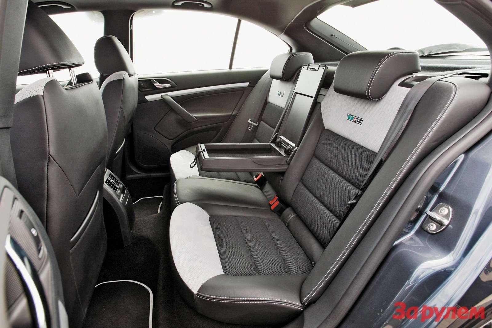 Интерьер Skoda Octavia RS