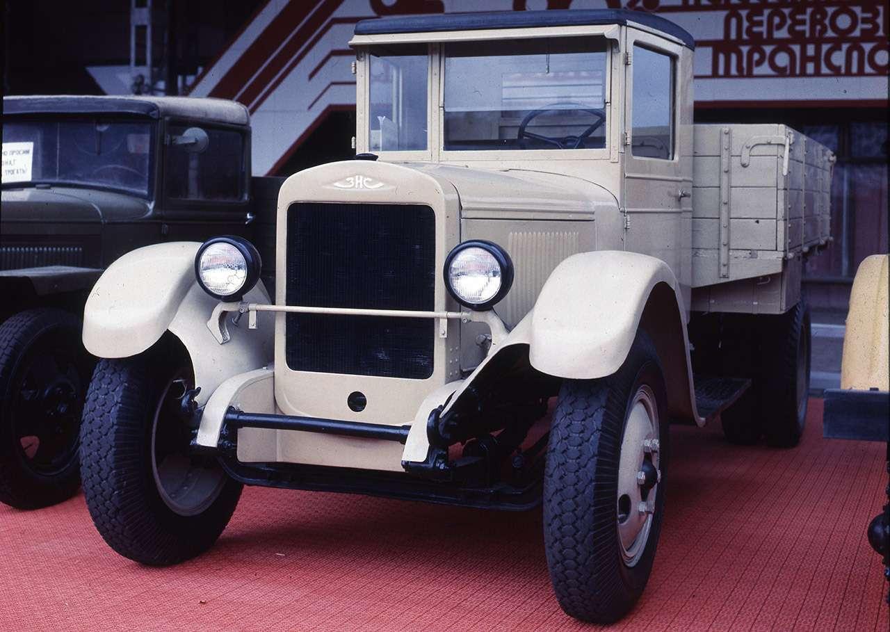 Мотор V12с автоматом— были итакие грузовики вСССР!— фото 1033947
