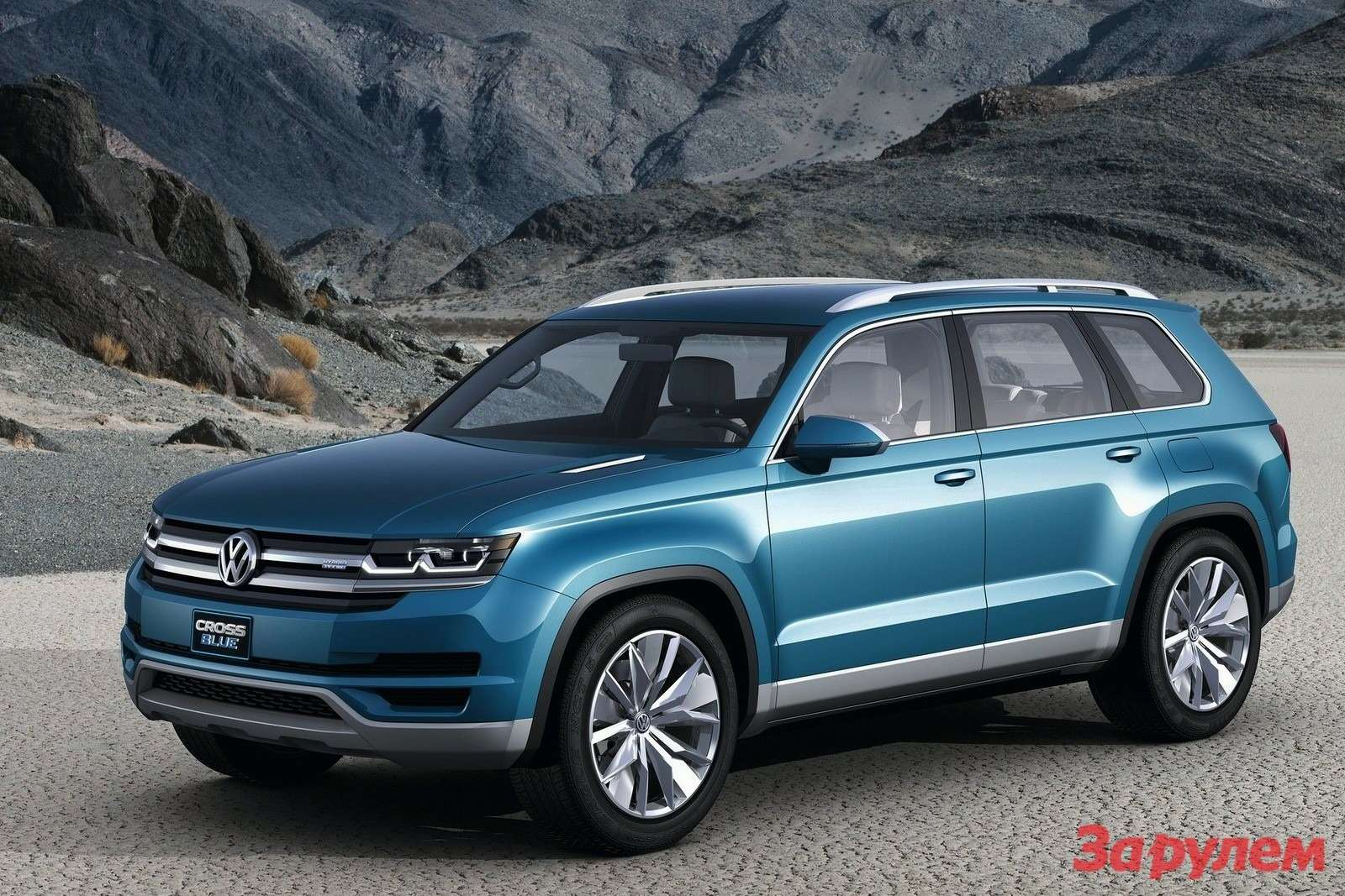 Volkswagen CrossBlue Concept side-front view 2