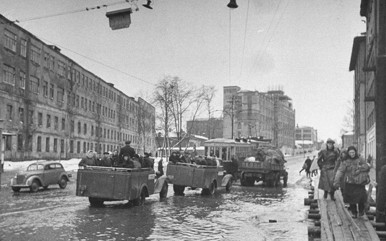 Всетакси СССР: лимузины, кабриолеты, иномарки— фото 1140118