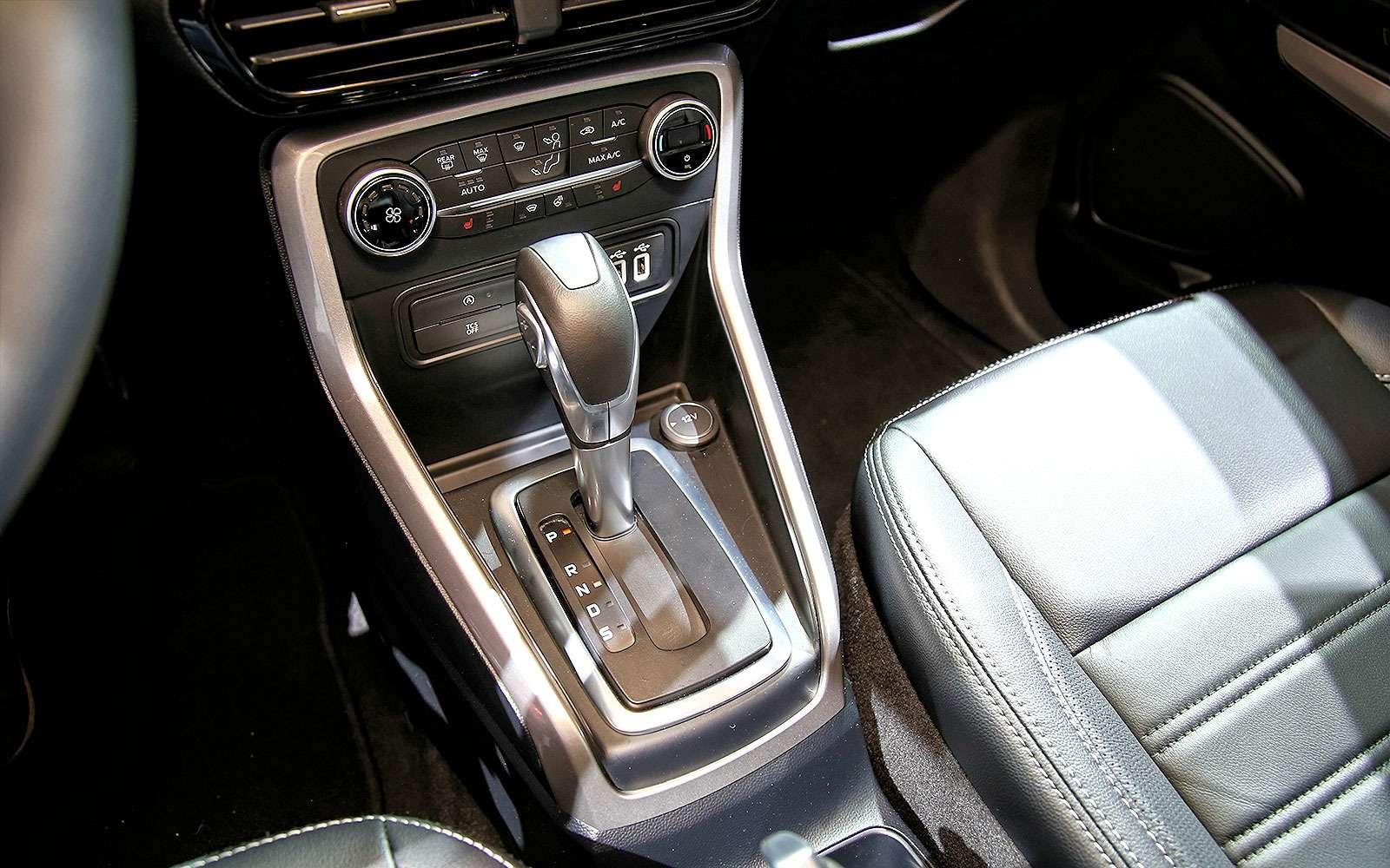 Обновленному паркетнику Ford EcoSport прикрутили планшет— фото 665277