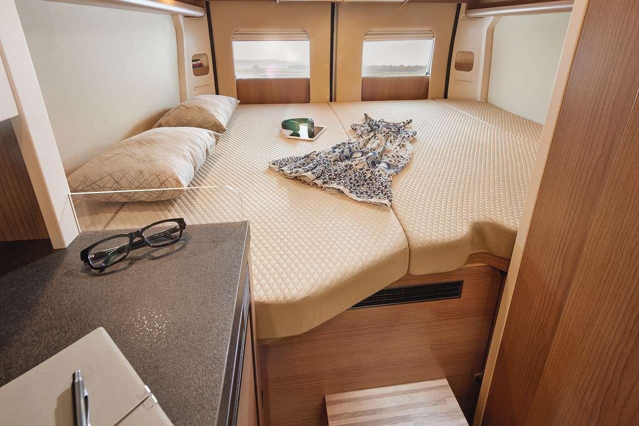 Премиальный автодом Malibu с«царской» кроватью— фото 1265931