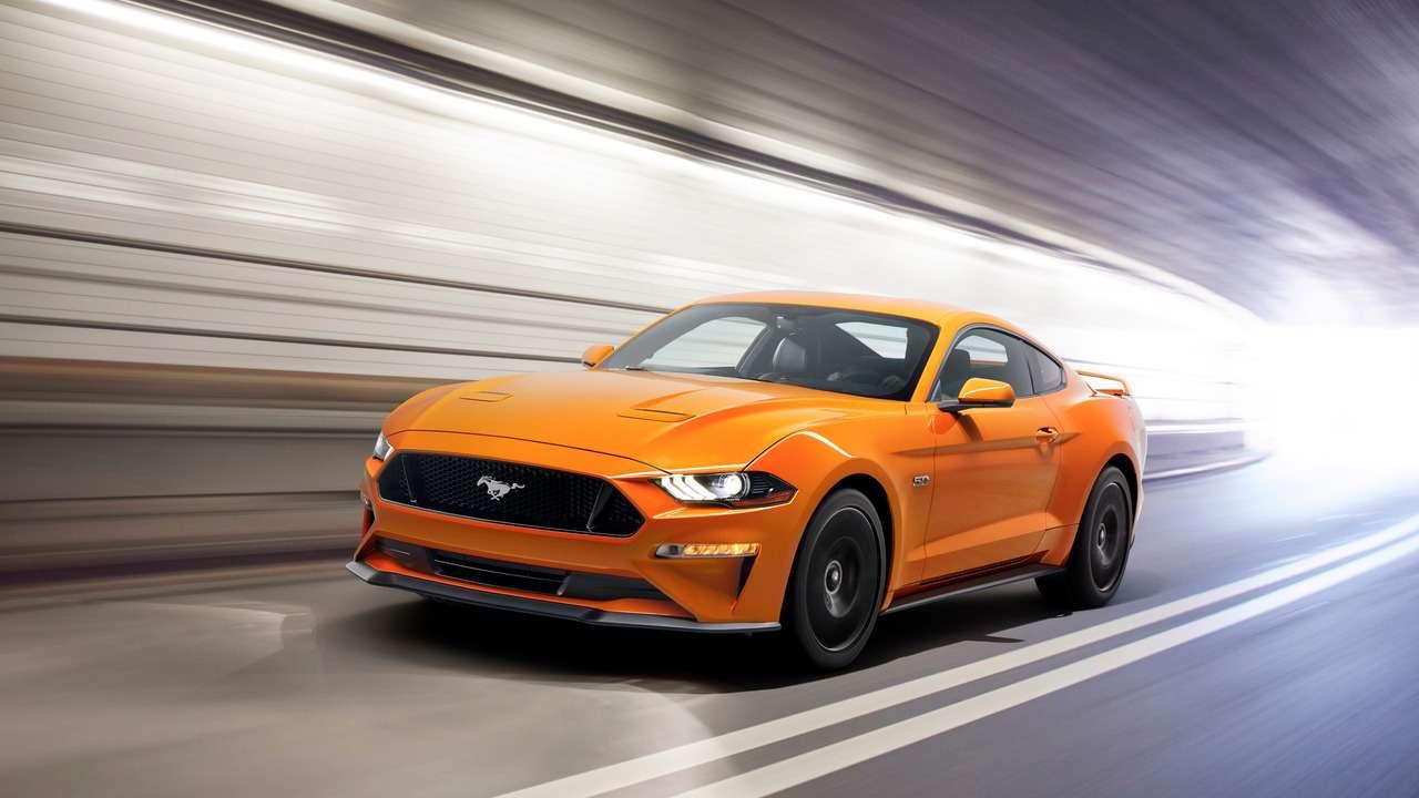 Рестайлинговый Ford Mustang научился считать додесяти— фото 694424